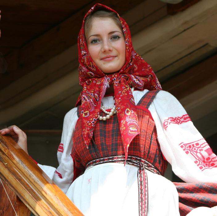 Фотографии из коллекции Лидии Мельниковой  «Русский народный костюм»